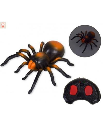 Животное на р/у 9986 паук, пульт, едет по кругу, светится, в коробке 36*25*9см